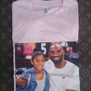 Rip Kobe and Gigi Bryant portrait T-shirt